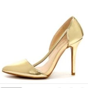Shoes - ‼️Clearance ‼️ Metallic gold pointy toe pump